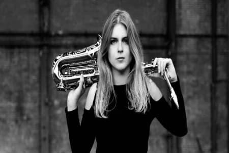 Vrolijk Pasen met saxofonist Cece Noir