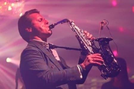 Saxofonist Saxy Mr. S artiestenbureau Erwin Bakkum